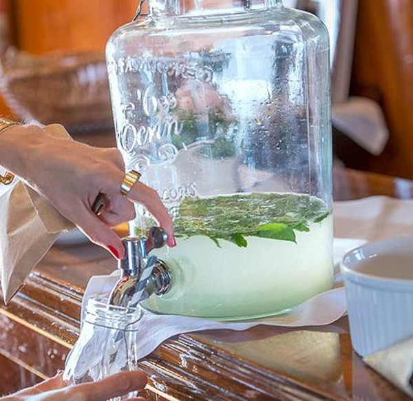 i vårt utbud hittar ni dessa fina dryckesbehållare