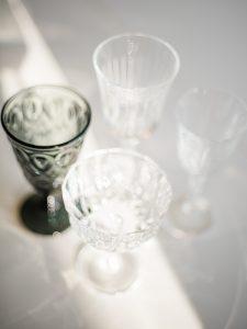 kristallglas och dimgrått glas